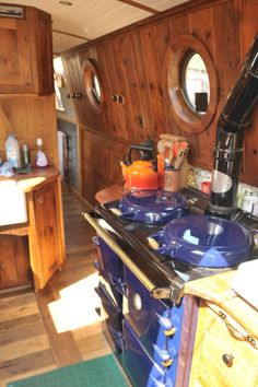 It might not be ultra-modern but imagine the pleasure of cooking on that range Barge Boat, Canal Barge, Living On A Boat, Tiny Living, Barge Interior, Interior Design, Canal Boat Interior, Houseboat Living, Houseboat Ideas