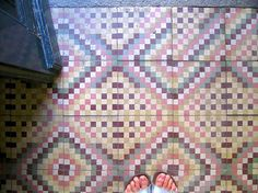 Hidraulic #tile #floor from Portugal (really very usual in popular past century calalonian houses)