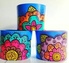 Tin Can Crafts, Jar Crafts, Diy And Crafts, Painted Plant Pots, Painted Flower Pots, Decorated Flower Pots, Painted Boxes, Diy Sewing Projects, Terracotta Pots