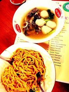 Bakmi yamin : sweet noodles mix chilli and meatballs