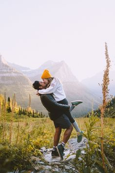 Couples Camping, Adventure Couple, Adventure Photos, Romantic Camping, Camping Photo, Go Outside, Couple Photos, Cold Creek, Sleeping Bags