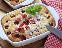 Love baking but hate the clean up? Then you'll love this delicious dump cake recipe that leaves you wanting more and cleaning less. Cocktail Desserts, Fun Desserts, Dessert Recipes, Cherry Pineapple Dump Cake, Dump Meals, Dump Cake Recipes, Pie Dessert, Food Cakes, Let Them Eat Cake