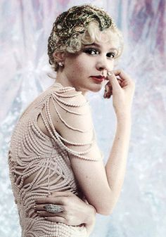 Carey Mulligan in The Great Gatsby. 1920's style.
