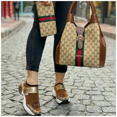 Louis Vuitton Shoes Sneakers, Lv Shoes, Nike Air Shoes, Cute Shoes, Shoe Boots, Casual Sneakers, Sneakers Fashion, Fashion Shoes, Gucci Handbags Outlet