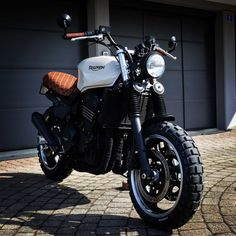 http://www.anibis.ch/de/motorrad-~-velo-motorräder-sonstiges--270/triumph-scrambler-spezialumbau--19100778.aspx?fts=trident