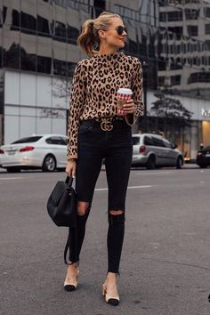 I like this outfit together, also like the shoes quite a bit. Chic Black Outfits, Trendy Outfits, Fall Outfits, Fashion Outfits, Black On Black Outfits, Black Jeans Outfit, Fashion Boots, Leopard Print Outfits, Animal Print Outfits