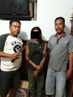 Pasuruan | tribunus-antara.com,  Mabuk, seorang pria inisial Muk (39) warga dusun Randukisi desa Cukurgondang Kecamatan Grati Kabupaten Pasu...