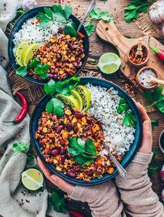 Healthy Dinner Recipes, Vegetarian Recipes, Vegan Meals, Vegan Vegetarian, Easy Vegan Chili, Chili Sin Carne, Beste Brownies, Vegan Lemon Cake, Good Carbs