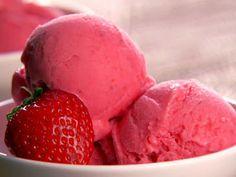 """Pretty Blossom: Preview """"Recipe time! Strawberry Frozen Yogurt"""""""