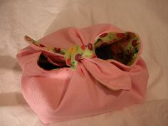 The closure is too cute! Maybe the straps could be longer to make a cute bow!