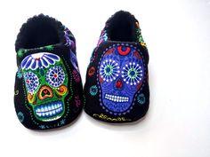 Azúcar cráneos bebé zapatos de bebé calavera día por BABYRAGQUILTS
