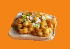 chat with bread Low Calories, Indian Street Food, Indian Snacks, Baked Potato, Bread, Baking, Ethnic Recipes, Brot, Bakken