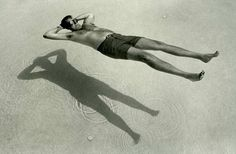 I like this photo because it looks like is floating in midair. The shadow creates the effect. Photo Vintage, Vintage Photos, Street Photography, Portrait Photography, Water Photography, Urban Photography, Color Photography, Creative Photography, Ombres Portées
