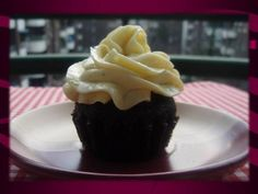 Chocolate and vanilla cupcakes Vanilla Cupcakes, Chocolate, Desserts, Food, Tailgate Desserts, Deserts, Essen, Chocolates, Postres