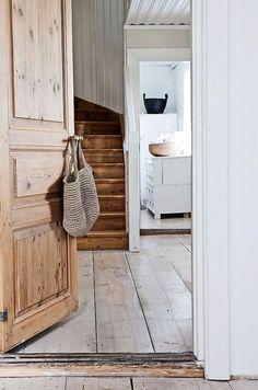 dom+na+wsi+siedzisko+drzwi+drewniane.jpg (640×966)