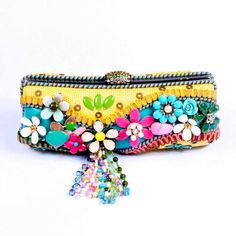 MARY FRANCES Happy Clutch