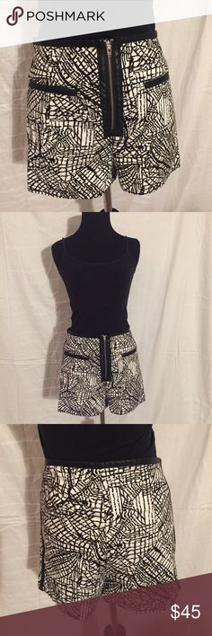UO Silence & Noise black and white shorts Sz 6 UO Silence + Noise black and white printed shorts Sz 6. NWT. Great faux leather details in pockets and front zipper. Reasonable offers welcome. Urban Outfitters Shorts Jean Shorts