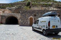 Antes de entrar al túnel de 2.5km de Real de 14 en México Walk In, Continents, Paths, Legends