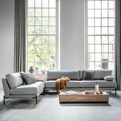 Dit is het voorjaarshuis van stylist Marianne Luning Living Room Decor, Living Spaces, Interior Styling, Interior Design, Scandinavian Design, Decoration, Mid-century Modern, Love Seat, House Styles
