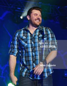 News Photo : Musician Chris Young performs at Best Buy Theater...
