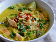 As the nights grow colder, warm your family up with delicious and comforting chicken dinners. From Thai Chicken & Rice Noodle Soup to Chicken Chili, thes...