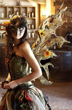 faefashion: Forest Fairy - 2010 Texas Renaissance Festival (by Rebecca Latson) steampunk Jeanne Lanvin, Masquerade Party, Masquerade Costumes, Estilo Fashion, Midsummer Nights Dream, Fantasy Costumes, Looks Cool, Costume Design, Halloween Costumes