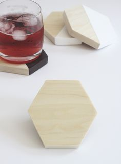 DIY Wood Hexagon Coasters || Jade and Fern. Love Love the clean wood and half dipped look!