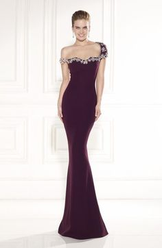 Shop for elegant pageant gowns at Simply Dresses. Sexy evening dresses for pageants, long formal pageant dresses, and designer pageant gowns. Evening Gowns With Sleeves, Mermaid Evening Dresses, Formal Evening Dresses, Pageant Dresses, Homecoming Dresses, Sexy Dresses, Bridesmaid Dresses Under 100, The Dress, Beautiful Gowns
