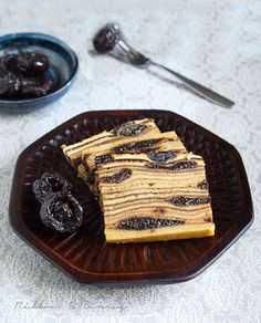 Prune Layer Cake --- I'm not crazy about prunes but this is so beautiful it has to be good. Its like a faux bois prune cake. Baking Recipes, Cake Recipes, Prune Cake, Prune Recipes, Food Texture, British Bake Off, Just Cakes, Cookie Desserts, Let Them Eat Cake