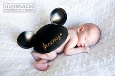Cutest newborn photo, ever. Baby Boy Photos, Newborn Pictures, Baby Pictures, Newborn Pics, Toy Story, Foto Newborn, Baby Mine, Baby Baby, Disney Boys