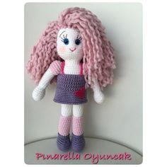 Pınarella kızları renkli saç modasından eksik mi kalsaydı yani  #pinarellabebek #pinarellaoyuncak #amigurumi #doll #amigurumidoll #handmade #instapic #instagram #instagramers #instagood #instamood #crochet #crochettoy #oyuncak #elyapimioyuncak #bebekoyuncak #babytoys #toys #gift #giftideas #hediyefikirleri #curlyhair #kıvırcıksaç #pinkhair #kıvırcık #instapic #gurumigram #instagood #instagram #instagurumi by pinarellaoyuncak