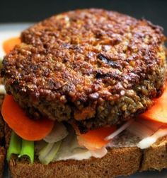 The one and only vegan burger recipe made with wheat bulgur that's tasty, nutritious, full of protein, and simple to handle. Delicious Vegan Recipes, Burger Recipes, Vegetable Recipes, Vegetarian Recipes, Healthy Recipes, Healthy Food, Vegan Food, Healthy Eating, Meatless Burgers
