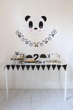 Panda Bear themed birthday party via Kara's Party Ideas Panda Party, Panda Birthday Party, Bear Party, Bear Birthday, 2nd Birthday Parties, Fete Emma, Panda Baby Showers, Cute Themes, Diy Party