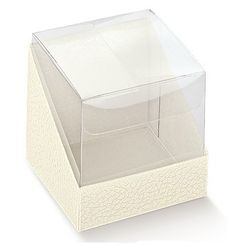 Cubo de PET con base en cartón blanco.