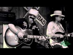 """Charlyhorse """"Tao of Betsy"""" Live at Peddler Steakhouse, Spartanburg SC 5/15/13"""