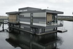 Equitone Floating Homes Lelystad, Netherlands. Modern Art Deco, Modern Contemporary, Modern Prefab Homes, Floating House, Built Environment, Residential Architecture, Cladding, Architecture Details, Houses