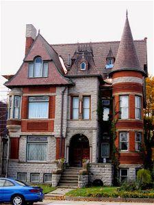 Detroit's Historic Woodbridge Neighborhood Abandoned Detroit, Abandoned Buildings, Abandoned Places, House Deck, Facade House, House Facades, Victorian Style Homes, Victorian Era, Second Empire
