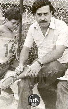 Pablo Emilio Escobar, Don Pablo Escobar, Funny Animal Jokes, Girls World, Gangsters, Mafia, Pop Culture, Pop Art, Mug