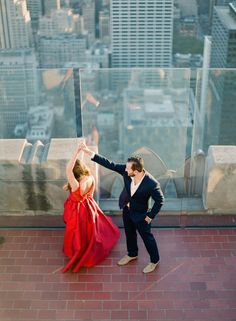 Photography : You Look Lovely Photography Read More on SMP: http://www.stylemepretty.com/new-york-weddings/new-york-city/manhattan/2016/02/14/engagement-session-at-the-top-of-the-rock-in-new-york-city/