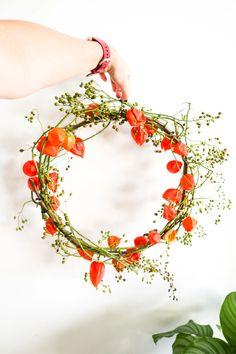 Dried Flower Wreaths, Dried Flowers, Mothers Day Flower Pot, Fall Flower Arrangements, Glass Bottle Crafts, Deco Floral, Autumn Wreaths, Nature Decor, Fall Diy