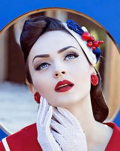 Health Hair Care Advice To Help You With Your Hair. Do you feel like you have had way too many days where your hair goes bad? Pin Up Vintage, Vintage Mode, Look Vintage, Vintage Girls, Looks Rockabilly, Rockabilly Mode, Rockabilly Fashion, Retro Fashion, Vintage Fashion