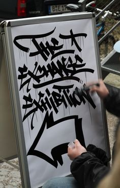Handstyler is an international brand dedicated to showcasing top-quality graffiti handstyles from around the world. Graffiti Tattoo, Graffiti Murals, Graffiti Styles, Graffiti Lettering, Street Art Graffiti, Graffiti Writing, Graffiti Tagging, Stencil Street Art, Picture Store