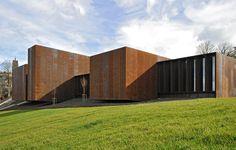 Musée Soulages por RCR Arquitectes. Fotografía © Grand Rodez. Señala encima de la imagen para verla más grande.