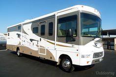 Check out this Winnebago Sightseer on Outdoorsy!
