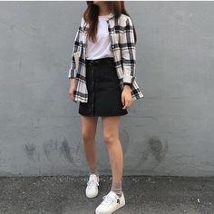 Ideas for moda coreana korean style 2019 Korean Fashion Dress, Fashion In, Korean Street Fashion, Korea Fashion, Hipster Fashion, Asian Fashion, Trendy Fashion, Fashion Outfits, Fashion Ideas