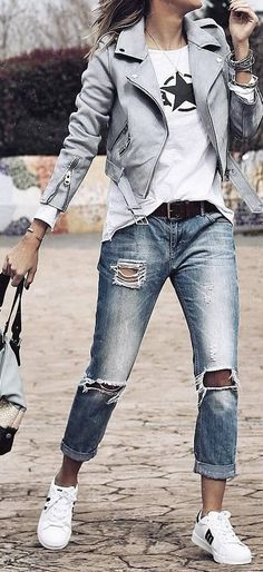 spring outfit idea with ripped jeans