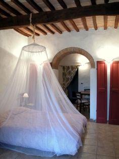Dai un'occhiata a questo fantastico annuncio su Airbnb: Vera vacanza nella campagna toscana - Appartamenti in affitto a Castellina Marittima