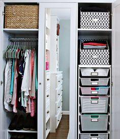 IHeart Organizing: Let's Chat! Organizing By Color Clever Closet, Closet Tour, Organization Hacks, Organizing Tips, Let's Chat, Cleaning Hacks, Household, Let It Be, Jennifer Jones