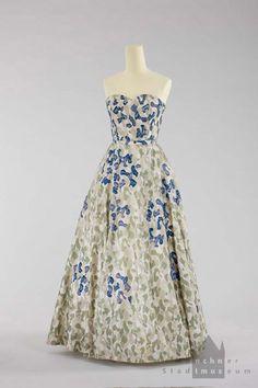 Evening dress, Jeanne Lanvin, c. 1952/1953.  Munich City Museum.