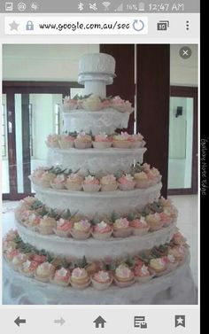 Tiered lace cupcakes